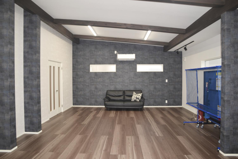 【増改築工事】あこがれの趣味スペースを増築 ~梁見せ勾配天井で開放的に~