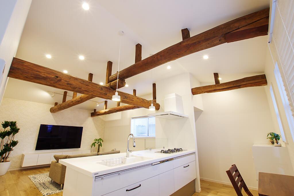 【1/23,24オープンハウス開催!】秋葉区北上【リノベーション】「築100年の古民家の梁を活かした勾配天井が圧巻!インナーガレージ&2階LDKへ改築した二世帯住宅。」