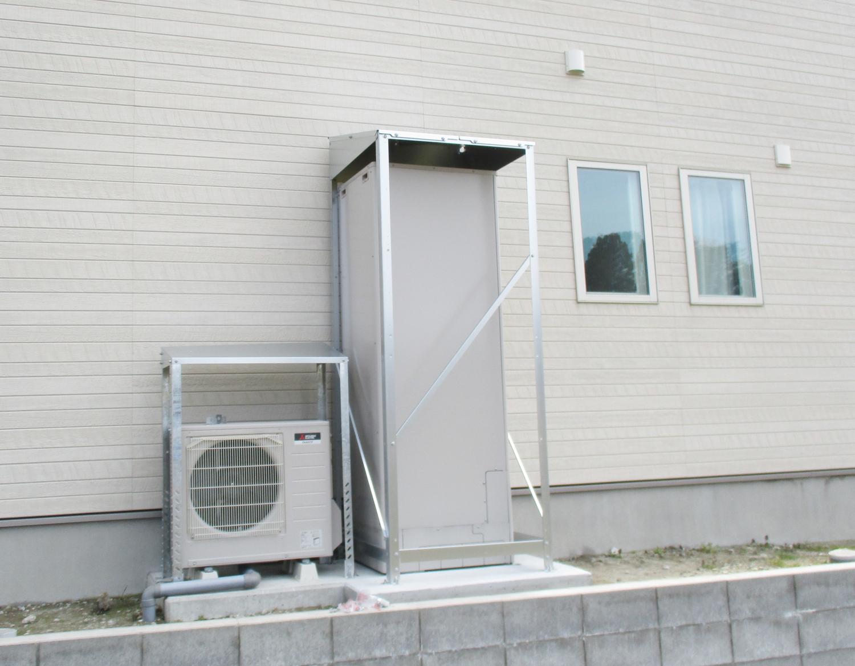 【防雪対策に】エコキュート屋根取付工事